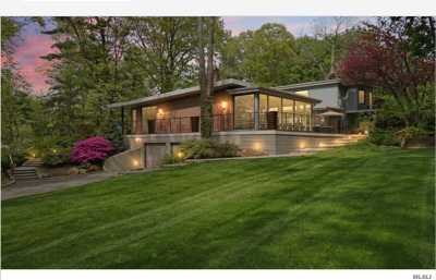 Roslyn Single Family Home For Sale: 82 The Intervale