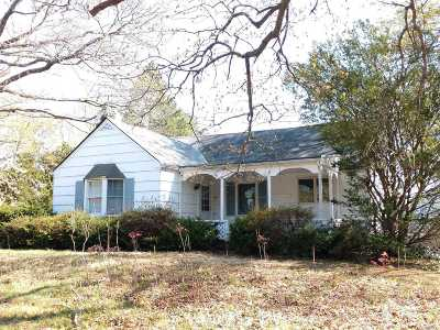Huntington Single Family Home For Sale: 168 Maple Hill Rd