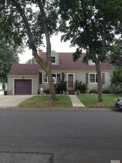 Lindenhurst Rental For Rent: 128 41st St