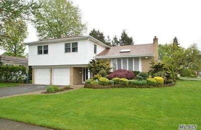 Roslyn Single Family Home For Sale: 39 Green Dr