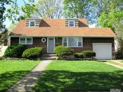East Meadow Single Family Home For Sale: 2529 Tonquin St
