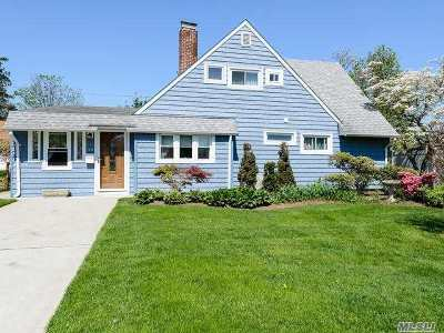 Westbury NY Single Family Home For Sale: $459,000