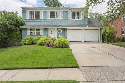 Douglaston Single Family Home For Sale: 336 Knollwood Ave