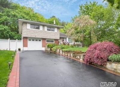 Smithtown Single Family Home For Sale: 80 Cornell Dr