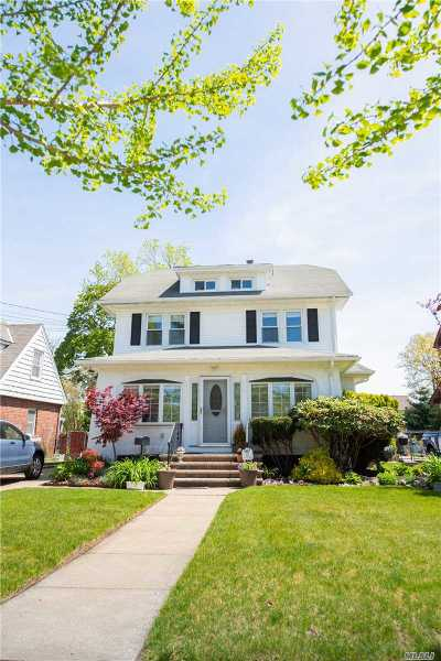 E. Rockaway Single Family Home For Sale: 33 Denton Ave