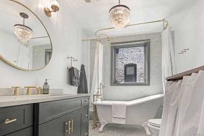 Brooklyn Single Family Home For Sale: 26 E 10th St
