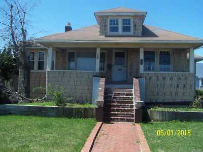 Freeport Single Family Home For Sale: 588 S Long Beach Ave
