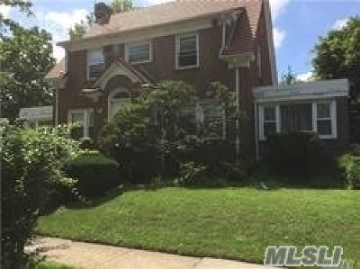 Forest Hills Single Family Home For Sale: 195 Ascan Ave