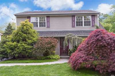 Syosset Single Family Home For Sale: 20 N Hillside Ln