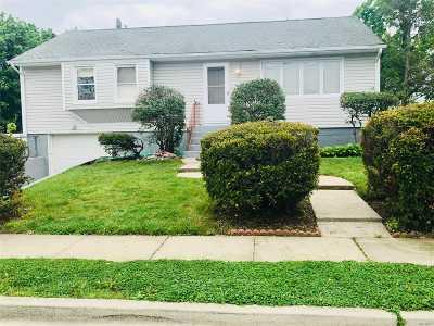 Freeport Single Family Home For Sale: 195 Cedar St