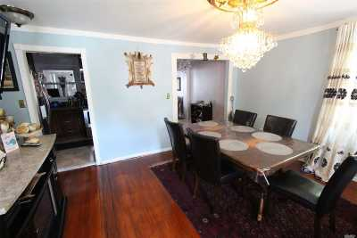 Westbury Single Family Home For Sale: 181 Pearl St