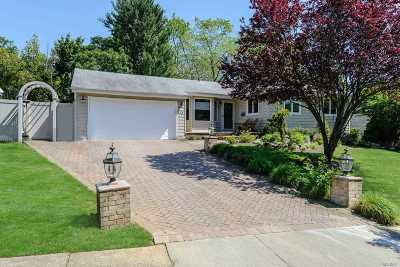 East Norwich Single Family Home For Sale: 123 Peachtree Dr
