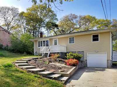 Hampton Bays Single Family Home For Sale: 13 Ridgewood Ln