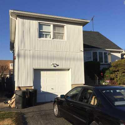 Freeport Single Family Home For Sale: 374 Miller Ave