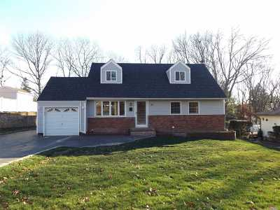 Single Family Home For Sale: 36 Echo Ln