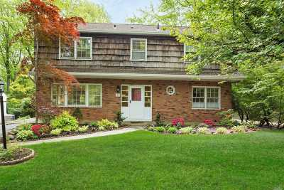 Port Washington Single Family Home For Sale: 82 Beacon Hill Rd
