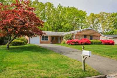 Stony Brook Single Family Home For Sale: 18 Beaverdale Ln