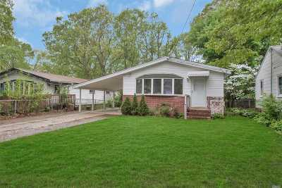 Huntington Single Family Home For Sale: 67 10th Ave