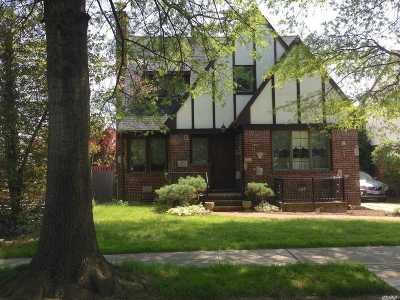 Malverne Single Family Home For Sale: 48 York St