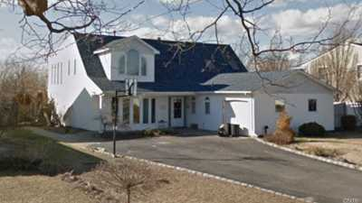 West Islip Single Family Home For Sale: 50 Cedar Point Dr