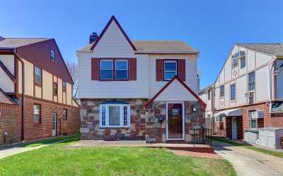 Bellerose, Glen Oaks Single Family Home For Sale: 87-06 253rd St