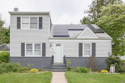 Hicksville Single Family Home For Sale: 7 Linden Blvd