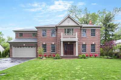 Roslyn Single Family Home For Sale: 9 Ridge Drive East