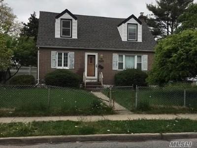 Nassau County Single Family Home For Sale: 620 Liberty St