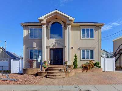 Freeport Single Family Home For Sale: 315 Arthur St