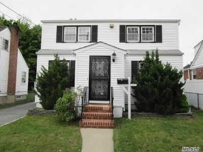 Nassau County Single Family Home For Sale: 12 Lehman Rd