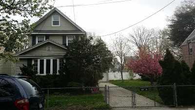 Flushing Single Family Home For Sale: 142-06/10 Poplar Ave