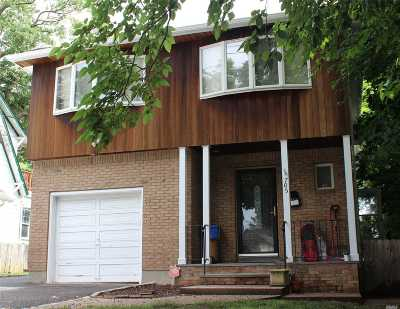 E. Rockaway Single Family Home For Sale: 705 Scranton Ave