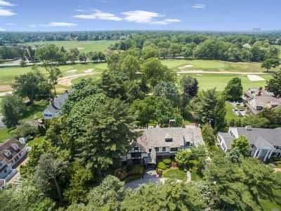 Garden City Single Family Home For Sale: 4 Carteret Pl