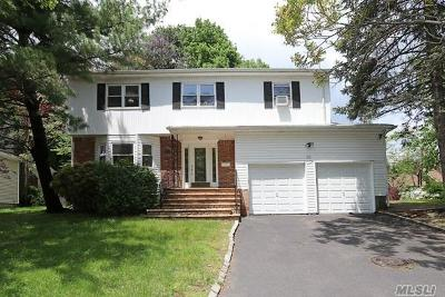 Port Washington Single Family Home For Sale: 93 Beacon Hill Rd