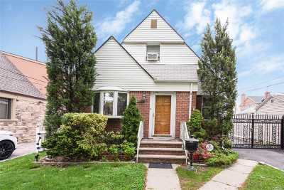 Whitestone NY Single Family Home For Sale: $888,000