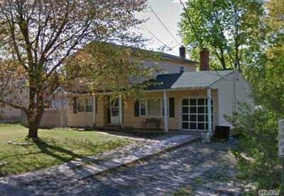 Patchogue Single Family Home For Sale: 358 W Woodside Ave