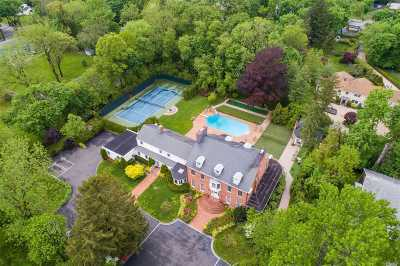 Roslyn Heights Single Family Home For Sale: 501 Old Westbury Rd