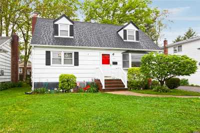 East Meadow Single Family Home For Sale: 2472 8th St