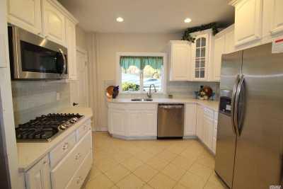 Nassau County Single Family Home For Sale: 5 Jackson St