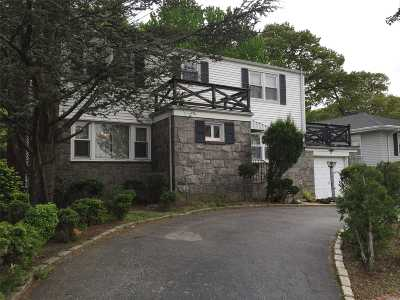 Nassau County Single Family Home For Sale: 50 Kent Rd