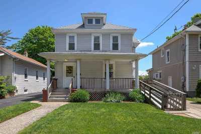 Freeport Single Family Home For Sale: 250 N Long Beach Ave