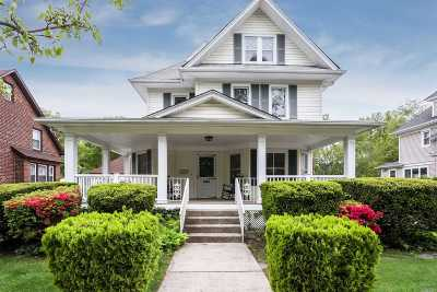 Nassau County Single Family Home For Sale: 112 Roosevelt St