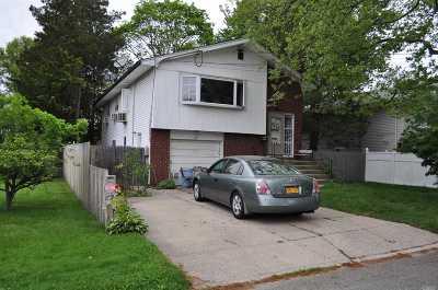 Huntington Single Family Home For Sale: 137 E 9th St