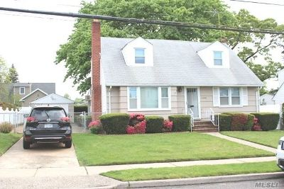 Nassau County Single Family Home For Sale: 1194 New York Ave