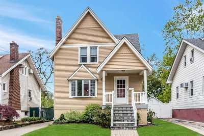 Nassau County Single Family Home For Sale: 43 Waldo Ave