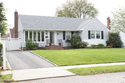 Nassau County Single Family Home For Sale: 1148 Douglas Ave