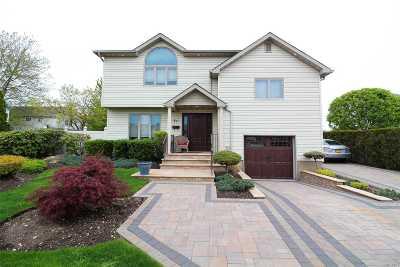 Nassau County Single Family Home For Sale: 53 N Pine St