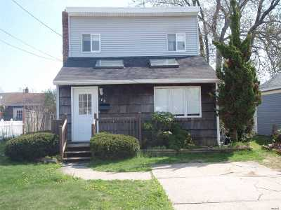 Nassau County Single Family Home For Sale: 188 North Wisconsin Ave