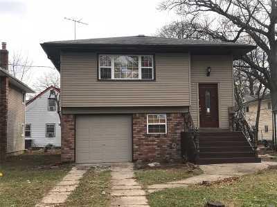 Nassau County Single Family Home For Sale: 150 Nassau Pky