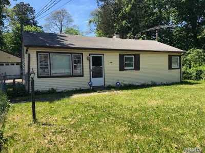 Brentwood Single Family Home For Sale: 144 Wicks Rd